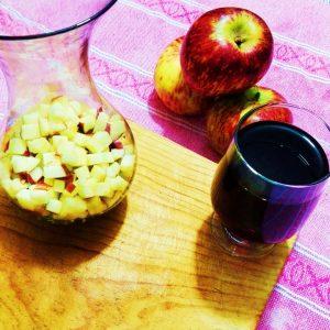 vino y manzana para el clericot